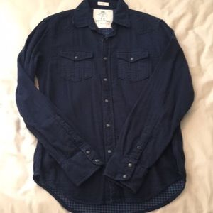 American Eagle navy blue snap up flannel shirt